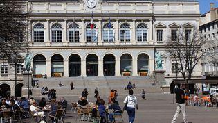 La place de l'hôtel de ville, à Saint-Etienne (Loire). (CHRISTIAN GUY / HEMIS.FR / AFP)