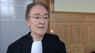 Me Joseph Scipilliti, avocat au barreau de Melun, en marge du procès d'un femme pour provocation à la haine raciale, le 1er juillet 2013 à Belfort (Territoire de Belfort). (FRANCE 3 FRANCHE-COMTE)