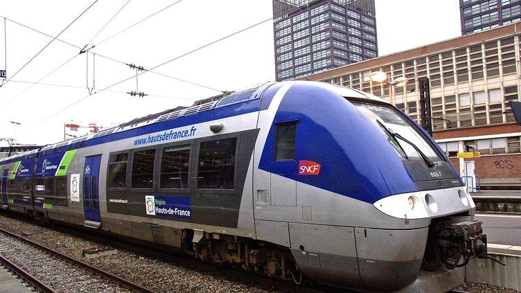 Un train, parti de Laon vers Amiens, le 26 mars, a accusé un retard de 50 minutes car le conducteur avait oublié le passage à l'heure d'été. (MAXPPP)