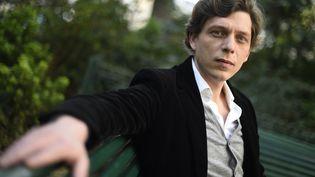 """Antoine Leiris, réalisateur du documentaire """"Vous n'aurez pas ma haine"""" diffusé dimanche 13 novembre 2016 sur France 5. (DOMINIQUE FAGET / AFP)"""