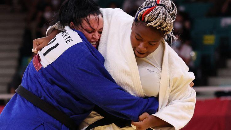 La Française Romane Dicko lors de son combat contre la LituanienneSandra Jablonskyte, vendredi 30 juillet 2021 au Nippon Budokan de Tokyo (Japon). (JACK GUEZ / AFP)