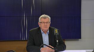 Christian Eckert, ancien secrétaire d'Etat au Budget, le 6 novembre. (JEAN-CHRISTOPHE BOURDILLAT / RADIO FRANCE)