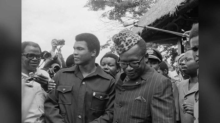 (28 octobre 1974. Mohamed Ali et Mobutu Sese Seko à Kinshasa (Zaïre). © Bettmann/Getty Images)