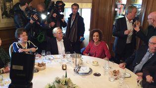Leila Slimani avec Bernard Pivot et les jurés du Goncourt, 3 novembre 2016  (Laurence Houot / Culturebox)