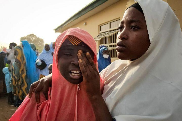 Une élève, enlevée lors de l'attaque de son école à Jangebe, au nord du Nigeria, vient de retrouver la liberté le 2 mars 2021. (AMINU ABUBAKAR / AFP)