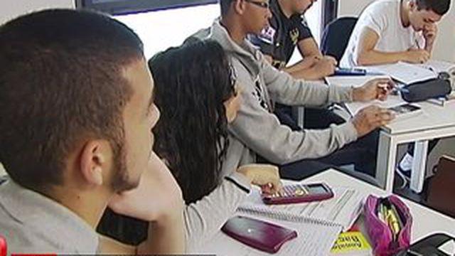 Dans l'Essonne, une commune coache les élèves pour le bac