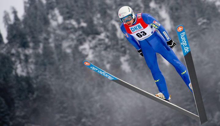 Le combiné nordique allie saut à ski et ski de fond. Ici, Jason Lamy Chappuis, lors d'une session d'entrainement àOberstdorf (Allemagne), le 24 janvier. (SVEN HOPPE / DPA)