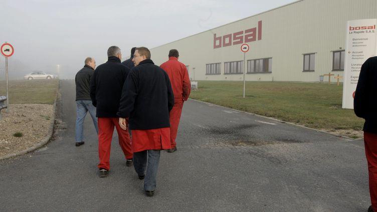 Les ouvriers du sous-traitant automobile Bosal-le-Rapide de Beine-Nauroy (Marne)n novembre 2011 (  MAXPPP)