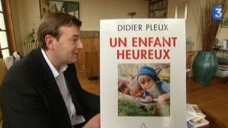 """Rencontre avec Didier Pleux auteur de """"Un enfant heureux""""  (Culturebox)"""