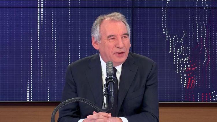 """François Bayrou,Haut-commissaire au Plan, président du MoDem, était l'invité du """"8h30 franceinfo"""", jeudi 8 avril 2021. (FRANCEINFO / RADIOFRANCE)"""