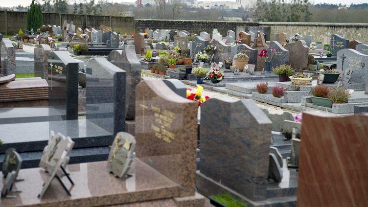 Le cimetière de Champlan (Essonne), le 4 janvier 2015. (KENZO TRIBOUILLARD / AFP)