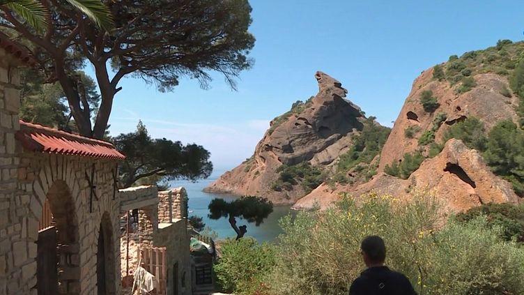 Provence-Alpes-Côte d'Azur : les logements de vacances affichent complet (France 3)