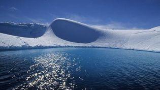 """Une image de l'Antarctique extraite de """"La marche de l'empereur"""" de Luc Jacquet.  (Bonne Pioche Productions)"""
