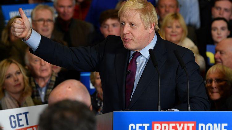 Boris Johnson en campagne, à Gloucester (Royaume-Uni) le 9 décembre 2019. (BEN STANSALL / POOL / AFP)