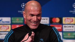 L'entraîneur du Real Madrid, Zinédine Zidane, lors d'une conférence de presse au Parc des Princes, à Paris le 5 mars 2018. (FRANCK FIFE / AFP)