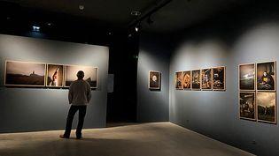 """Exposition """"Hent"""" au Musée-port de Douardenez (© Stéphane Lavoué)"""