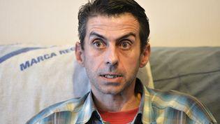 Mauricio Garcia-Pereira, ancien employé de l'abattoir municipal de Limoges (Haute-Vienne) dénonce les conditions de travail dans ces entreprises. (PASCAL LACHENAUD / AFP)