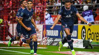 L'attaquant parisien Kylian Mbappé a inscritun doublé avec lePSG face à Reims, dimanche 29 août. (MATTHIEU MIRVILLE / AFP)