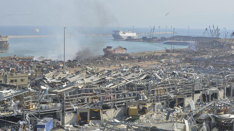 Les dégâts à Beyrouth, le 5 août 2020, au lendemain des deux explosions qui ont secoué la capitale libanaise. (HOUSSAM SHBARO / ANADOLU AGENCY)
