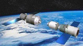 Des boutsdu laboratoire spatialTiangong-1 pourraient tomber sur Terre, a annoncé l'ESA, le 6 novembre 2017. (LI JUNFENG / IMAGINECHINA / AFP)