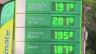 Prix des carburants : les conseils pour dépenser moins. (FRANCEINFO)