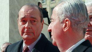 Jacques Chirac et Ediouard Balladur en avril 1995, à quelques jours du premier tour de l'élection présidentielle. (PIERRE VERDY / AFP)