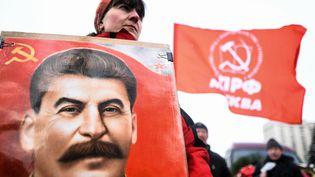 Cérémoniedu 65e anniversaire de la mort de Staline, lundi 5 mars 2018, sur le Place rouge de Moscou. (KIRILL KUDRYAVTSEV / AFP)