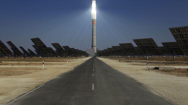 Centrale solaire à concentration à Fuentès dans le sud de l'Espagne. Photo prise le 4 octobre 2011. (MARCELO DEL POZO / X90017)