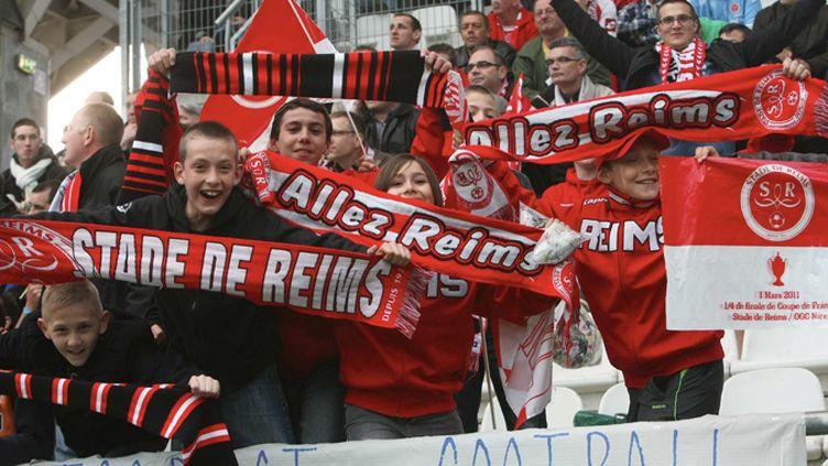 Les supporters de Reims fête la remontée en Ligue 1 (CHRISTIAN LANTENOIS / MAXPPP)