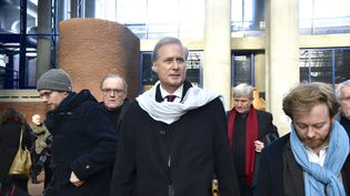 L'ancien secrétaire d'Etat Georges Tron arrive au tribunal de Bobigny (Seine-Saint-Denis), lundi 12 décembre 2017. (CITIZENSIDE/PATRICE PIERROT / CITIZENSIDE / AFP)