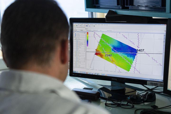 Du 3 au 13 juillet 2019, un drône sous-marin a été chargé de rechercher les anomalies sur le fond marin. (SÉBASTIEN CHENAL / GROUPE IMAGE MEDITERRANÉE)
