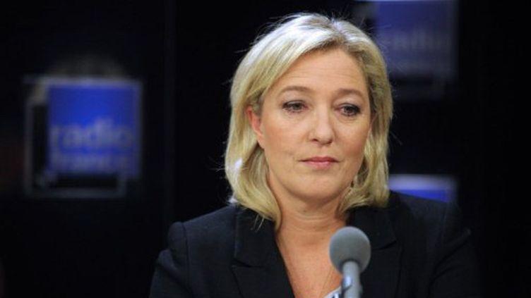 """La candidate du Front national, Marine Le Pen, lors de l'émission """"Radio France Politique"""" le 27 novembre 2011 (PIERRE VERDY / AFP)"""