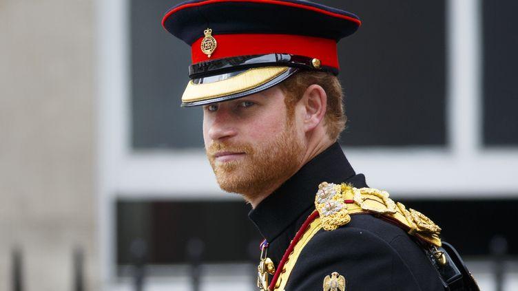 Le prince Harry, lors de la parade en l'honneur d'Elizabeth II à Londres (Royaume-Uni), le 11 juin 2016. (TOLGA AKMEN / ANADOLU AGENCY / AFP)