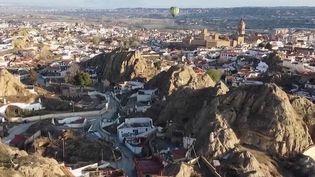 Espagne : en route vers Guadix, la plus grande ville troglodyte d'Europe (France 2)