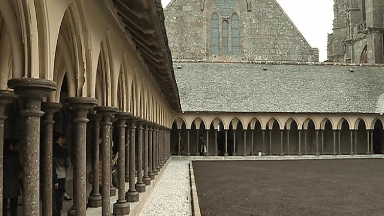 Le cloître Mont-Saint-Michel à nouveau ouvert au public après un an de travaux  (France 3 / Culturebox )