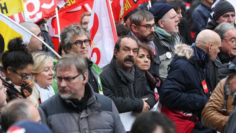 Le leader de la CGT, Philippe Martinez, participe à la manifestation contre la réforme des retraites, le 17 décembre 2019, à Paris. (MICHEL STOUPAK / NURPHOTO / AFP)
