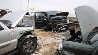 Unecollision entre plusieurs voitures entre Bordeaux et Bègles (Gironde), le 3 décembre 2017. (MAXPPP)