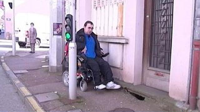 L'aménagement obligatoire d'accès des lieux publics aux personnes handicapées reporté
