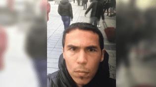 Les autorités turques ont diffusé l'image d'un homme recherché dans le cadre de l'attentatau Reina, à Istanbul, le 2 janvier 2017. (HANDOUT / DOGAN NEWS AGENCY / AFP)