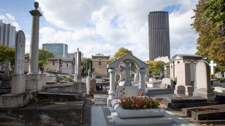 Le cimetière du Montparnasse, dans le 14e arrondissement de Paris. (FRED DUGIT / MAXPPP)