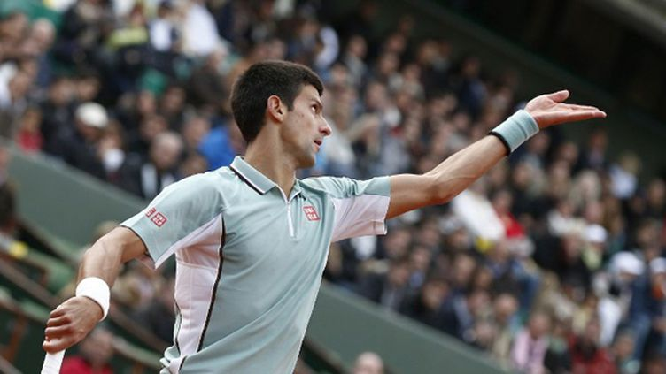 Novak Djokovic au service (THOMAS COEX / AFP)