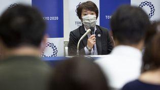Seiko Hashimoto, président du comité d'organisation des Jeux olympiques de Tokyo 2020, s'exprime lors d'une conférence de presse à Tokyo le 11 juin 2021. (YUICHI YAMAZAKI / POOL)