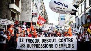 Une manifestation de salariés de Nokia contre le plan social, le 8 juillet 2020. (SAMUEL BOIVIN / NURPHOTO)
