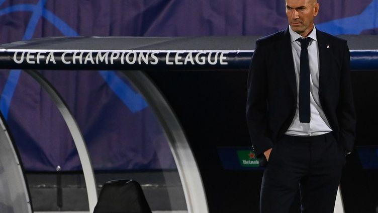L'entraîneur du Real Madrid est sous pression avant le premier Clasico de la saison ce samedi. (GABRIEL BOUYS / AFP)