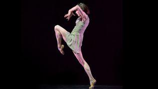 """Sylvie Guillem danse """"technê"""" d'Akram Khan  (Bill Cooper)"""