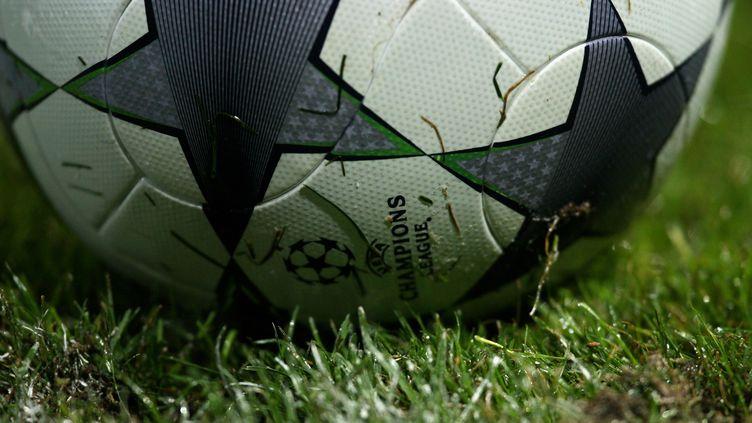 Le ballon de la Ligue des Champions, lors d'un match à Bucarest, le 17 septembre 2008. (Vladimir Rys / Getty Images)