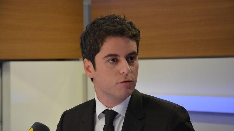 Gabriel Attal, député LREM, rapporteur du texte sur la réforme de l'accès à l'université. (JEAN-CHRISTOPHE BOURDILLAT / RADIO FRANCE)