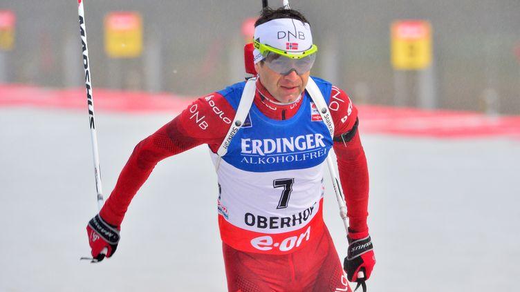 Ole Einar Bjoerndalen remporte la 95e course de Coupe du monde de sa carrière (MARTIN SCHUTT / DPA)