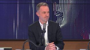 Emmanuel Grégoire, premier adjoint à la mairie de Paris, était l'invité de franceinfo dimanche 7 mars 2021. (FRANCEINFO / RADIO FRANCE)