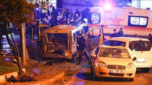 Un attentat à la voiture piégée s'est produit à Istanbul (Turquie), le 10 décembre 2016. (MURAD SEZER / REUTERS)